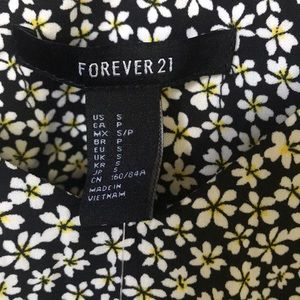 Forever 21 Tops - Forever 21 Floral Woven Top/Cami